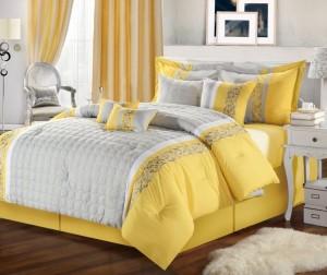 dormitor amenajat galben