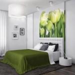 dormitor amenajat in alb si verde tablou mare perete deasupra patului