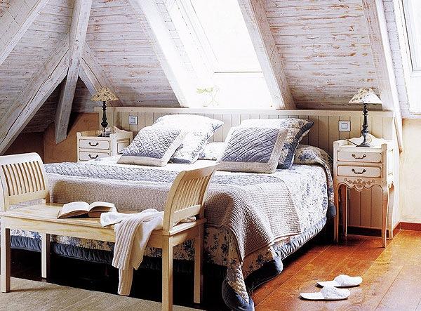 dormitor amenajat mansarda