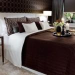 dormitor ciocolatiu