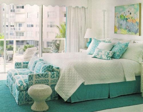 dormitor decorat turcoaz