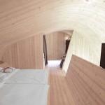 dormitor mansardat finisat integral cu lemn casuta ufogel austria