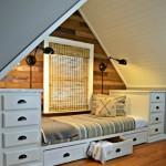 dormitor pentru un copil sau adolescent amenajat intr-o mansarda mai mica