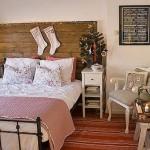 dormitor stil rustic scandinav decorat de craciun