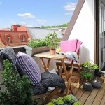 dusumea lemn balcon mic apartament bloc