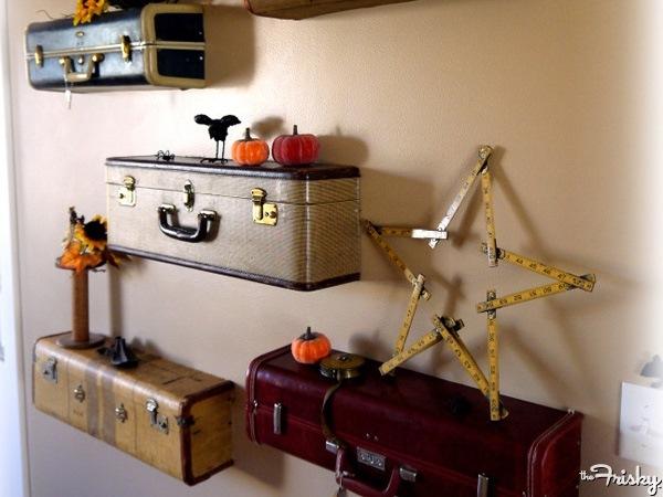 etajere vintage din geamantane si valize vechi