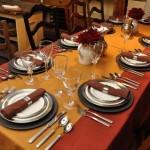 Cum se aranjeaza corect o masa festiva – rafinament si eleganta