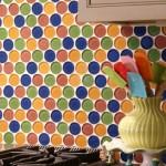 faianta de sticla placi rotunde colorate decor bucatarie moderna