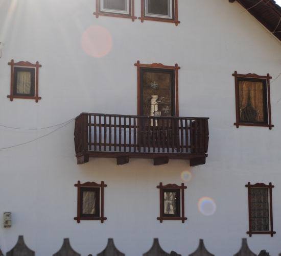 ferestre decorate lemn exterior