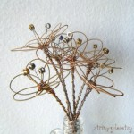 flori artificiale decorative din corzi de chitara