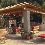 foisor curte cu bucatarie de vara loc de relaxare si loc de luat masa