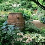 gradina amenajata salbatic decor rustic