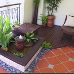gradina de vara balcon decor gresie lemn si flori