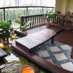 gradina japoneza balcon bloc aranjament piatra apa si pardoseala lemn exterior