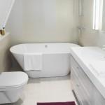 gresie alba interior baie moderna stil minimalist