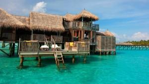 hotel plutitor gili by six senses maldive