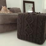 husa lana crosetata manual pentru taburet puf