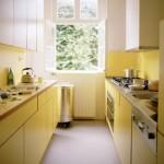 idee amenajare bucatarie moderna lunga ingusta