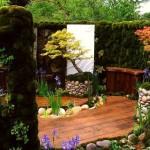 idee amenajare curte mica stil asiatic cu pardoseala din lemn