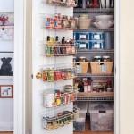 idee amenajare debara de bucatarie depozitare conserve si alimente