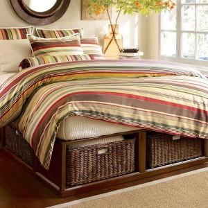 idee folosire cutii depozitare sub pat dormitor matrimonial