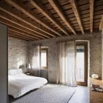 idei amenajare dormitor rustic decorat cu piatra naturala