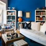 idei amenajare living perete zugravit in albastru culoarea anului 2014