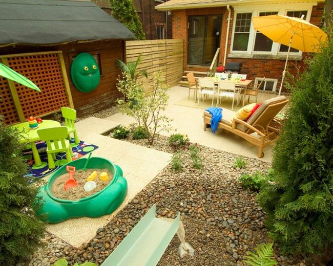 idei amenajare terasa si loc de joaca pentru copii in curte mica