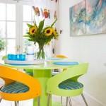 idei asortare scaune in doua culori decor bucatarie moderna