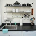 Rafturile – solutii de depozitare pentru bucatarii mici – 20 de imagini