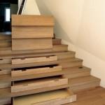 idei proiectare sertare incastrate in scara interioara lemn