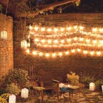 iluminat curte casa cu lampadare si instalatie brad