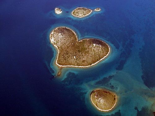 insula iubirii galesnjak croatia