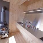 interior bucatarie minimalista godin fier cabana lemn ufogel