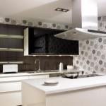 interior bucatarie moderna alba accente culoare alba