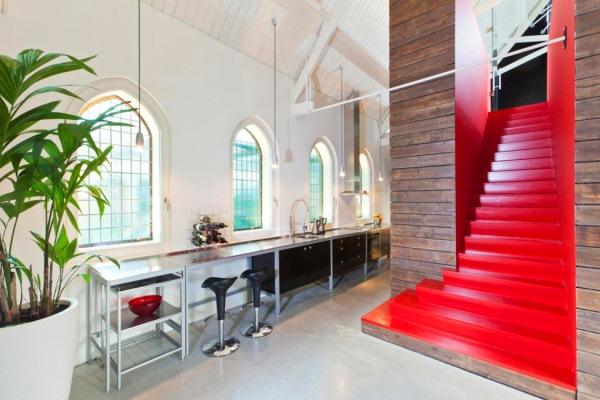 interior casa biserica