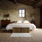 interior dormitor rustic decor piatra naturala