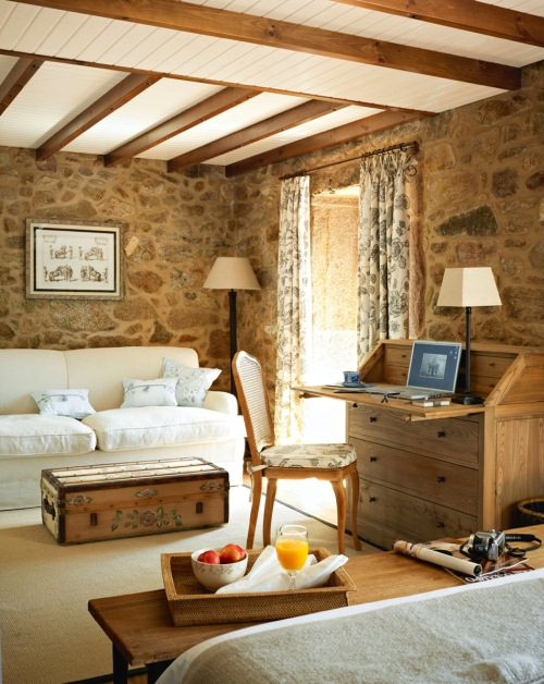 interior hotel rustic spania