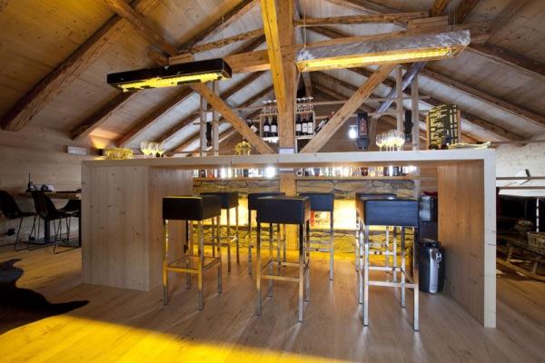 interior restaurant whitepod 2