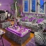 living amenajat gresit decor mult violet si imprimeu zebra