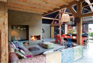 living casa amenajata in stil eclectic fost grajd