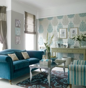 living clasic relaxant decorat in nuante de bleu