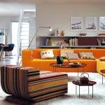 living modern decorat in alb maro si portocaliu