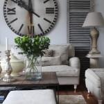 living stil country francez perete decorat cu ceas vechi supradimensionat cifre romane
