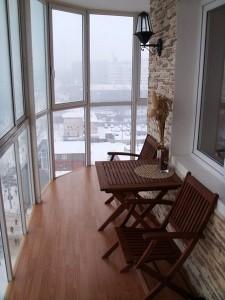loc de luat masa balcon mic apartament sau garsoniera