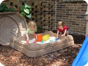 loc joaca nisip copii