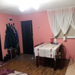 loc luat masa bucatarie perete rosu