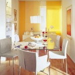loc luat masa living modern decorat in portocaliu si alb