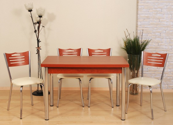 Set masa si scaune bucatarie praktiker