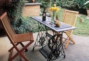 masa pentru terasa sau gradina din masina de cusut veche